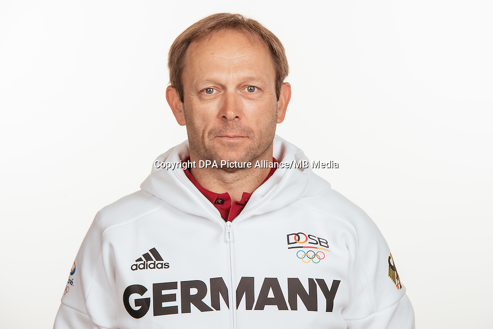 Hans Friedl poses at a photocall during the preparations for the Olympic Games in Rio at the Emmich Cambrai Barracks in Hanover, Germany, taken on 15/07/16 | usage worldwide