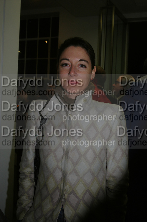 Mary McCartney. Chemical Life Support opening, White Cube. 3 March 2005. ONE TIME USE ONLY - DO NOT ARCHIVE  © Copyright Photograph by Dafydd Jones 66 Stockwell Park Rd. London SW9 0DA Tel 020 7733 0108 www.dafjones.com