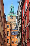 Storkyrkan sed från en gränd i Gamla Stan i Stockholm.