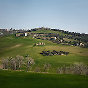 A farmer works his land on the hills of Castel Frentano, an area that will be crossed by the new electric highway.<br /> Castel Frentano (CH).