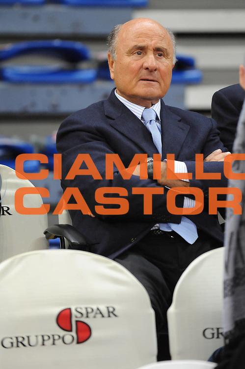DESCRIZIONE : Pesaro Lega A 2009-10 Scavolini Spar Pesaro Armani Jeans Milano<br /> GIOCATORE : Piergiorgio Vellucci<br /> SQUADRA : Scavolini Spar Pesaro <br /> EVENTO : Campionato Lega A 2009-2010<br /> GARA : Scavolini Spar Pesaro Armani Jeans Milano<br /> DATA : 29/03/2010<br /> CATEGORIA : <br /> SPORT : Pallacanestro<br /> AUTORE : Agenzia Ciamillo-Castoria/M.Marchi<br /> Galleria : Lega Basket A 2009-2010 <br /> Fotonotizia : Pesaro Campionato Italiano Lega A 2009-2010 Scavolini Spar Pesaro Armani Jeans Milano<br /> Predefinita :