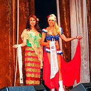 RUS/Minsk/20150829 - Mrs. Universe verkiezing 2015, Mrs. Myramar en Mrs.Netherland Sophia de Boer