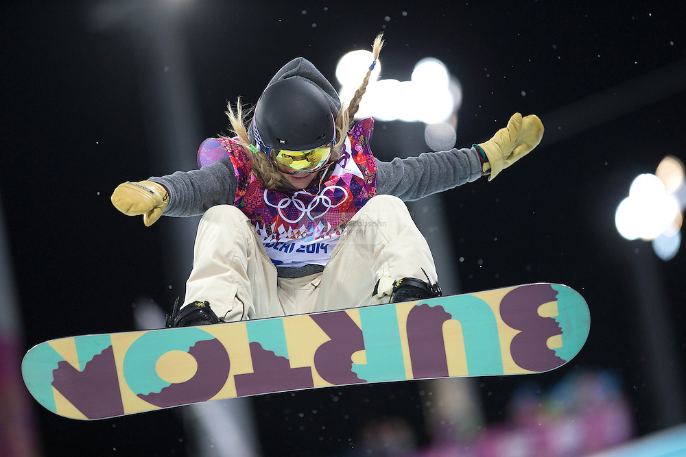 Snowboarding: 2014 Winter Olympics: USA Hannah Teter (27) in action during Women's Snowboard Halfpipe Final at Rosa Khutor Extreme Park. Krasnaya Polyana, Russia 2/12/2014 CREDIT: Jed Jacobsohn (Photo by Jed Jacobsohn)