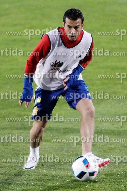 21.03.2016, Ciudad del Futbol de Las Rozas, Madrid, ESP, RFEF, Training spanische Fu&szlig;ballnationalmannschaft, im Bild Spain's Pedro Rodriguez // during a practice session of spanish national football Team at the Ciudad del Futbol de Las Rozas in Madrid, Spain on 2016/03/21. EXPA Pictures &copy; 2016, PhotoCredit: EXPA/ Alterphotos/ Acero<br /> <br /> *****ATTENTION - OUT of ESP, SUI*****