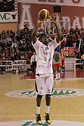 DESCRIZIONE : Ferentino LNP Lega Nazionale Pallacanestro DNA playoff 2011-12 FMC Ferentino Paffoni Omegna<br /> GIOCATORE : Ihedioha Francesco<br /> CATEGORIA : tiro pre game<br /> SQUADRA : FMC Ferentino <br /> EVENTO : LNP Lega Nazionale Pallacanestro DNA playoff 2011-12 <br /> GARA : FMC Ferentino Paffoni Omegna<br /> DATA : 10/05/2012<br /> SPORT : Pallacanestro<br /> AUTORE : Agenzia Ciamillo-Castoria/M.Simoni<br /> Galleria : LNP  2011-2012<br /> Fotonotizia :Ferentino LNP Lega Nazionale Pallacanestro DNA playoff 2011-12 FMC Ferentino Paffoni Omegna<br /> Predefinita :