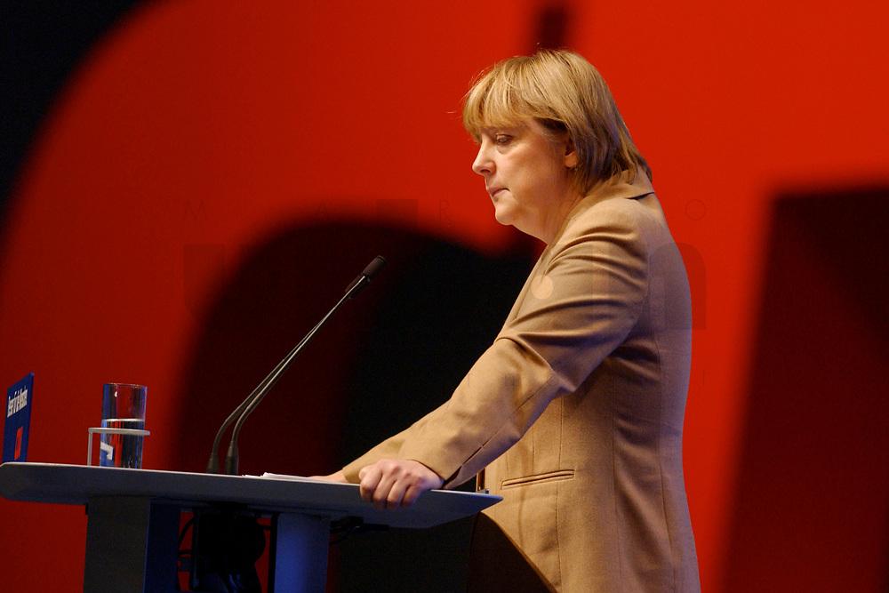 11 NOV 2002, HANNOVER/GERMANY:<br /> Angela Merkel, CDU Bundesvorsitzende, waehrend ihrer Rede, CDU Bundesparteitag, Hannover Messe<br /> IMAGE: 20021111-01-045<br /> KEYWORDS: Parteitag, party congress, speech, Logo, sign
