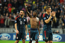 23.10.2013, Allianz Arena, Muenchen, GER, UEFA CL, FC Bayern Muenchen vs Viktoria Pilsen, Gruppe D, im Bild Daumen hoch bei David Alaba (FC Bayern Muenchen) nach Spielende Links Diego Contento (FC Bayern Muenchen), rechts Toni Kroos (FC Bayern Muenchen) // during UEFA Champions League group D match between FC Bayern Muenchen and Viktoria Pilsen at the Allianz Arena in Muenchen, Germany on 2013/10/24. EXPA Pictures © 2013, PhotoCredit: EXPA/ Eibner-Pressefoto/ Stuetzle<br /> <br /> *****ATTENTION - OUT of GER*****