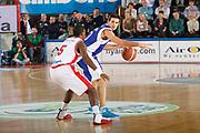 DESCRIZIONE : Varese Campionato Lega A 2011-12 Cimberio Varese Bennet Cantu<br /> GIOCATORE : Andrea Cinciarini<br /> CATEGORIA : Palleggio Schema<br /> SQUADRA : Bennet Cantu<br /> EVENTO : Campionato Lega A 2011-2012<br /> GARA : Cimberio Varese Bennet Cantu<br /> DATA : 30/12/2011<br /> SPORT : Pallacanestro<br /> AUTORE : Agenzia Ciamillo-Castoria/G.Cottini<br /> Galleria : Lega Basket A 2011-2012<br /> Fotonotizia : Varese Campionato Lega A 2011-12 Cimberio Varese Bennet Cantu<br /> Predefinita :
