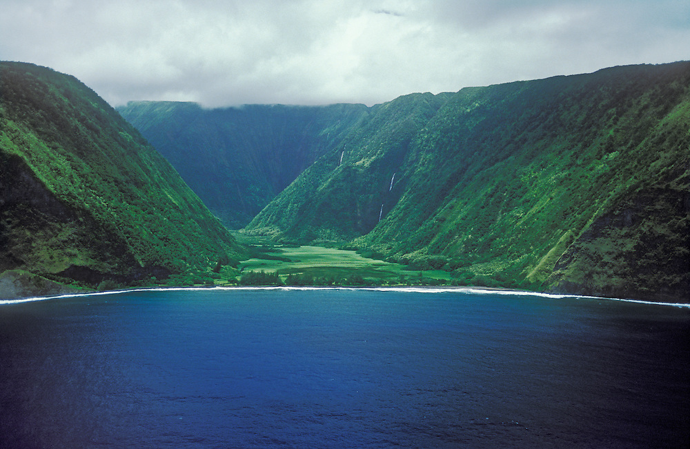 Waimanu Valley with Waiíilikahi Falls, a National Estuarine Research Reserve on the Hamakua-North Kohala coast of the island of Hawaii.