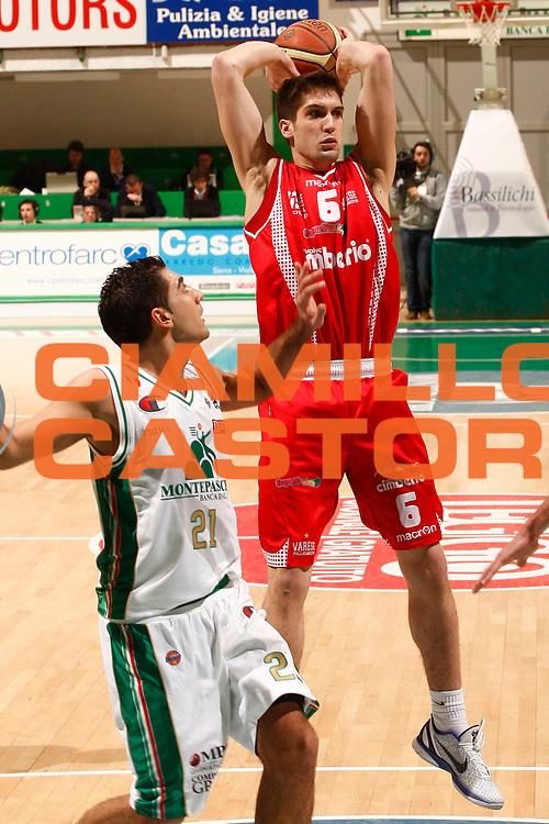 DESCRIZIONE : Siena Lega A 2010-11 Montepaschi Siena Cimberio Varese<br /> GIOCATORE : Fabio Mian<br /> SQUADRA : Cimberio Varese<br /> EVENTO : Campionato Lega A 2010-2011<br /> GARA : Montepaschi Siena Cimberio Varese<br /> DATA : 06/02/2011<br /> CATEGORIA : passaggio<br /> SPORT : Pallacanestro<br /> AUTORE : Agenzia Ciamillo-Castoria/P. Lazzeroni<br /> Galleria : Lega Basket A 2010-2011<br /> Fotonotizia : Siena Lega A 2010-11 Montepaschi Siena Cimberio Varese<br /> Predefinita :