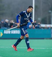 BLOEMENDAAL - blessure bij Marlon Landbrug (Pinoke)   tijdens de competitie hoofdklasse hockeywedstrijd heren, Bloemendaal-Pinoke (3-2)   COPYRIGHT KOEN SUYK
