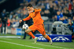26.02.2014, Veltins Arena, Gelsenkirchen, GER, UEFA CL, Schalke 04 vs Real Madrid, Achtelfinale, im Bild Cristiano Ronaldo (Real Madrid CF #7), Aktion, Action // during UEFA Champions League last sixteen match between Schalke 04 and Real Madrid CF at the Veltins Arena in Gelsenkirchen, Germany on 2014/02/26. EXPA Pictures &copy; 2014, PhotoCredit: EXPA/ Eibner-Pressefoto/ Schueler<br /> <br /> *****ATTENTION - OUT of GER*****