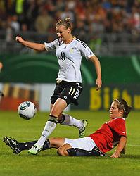 16.06.2011, Bruchwegstadion, Mainz, FIFA WOMENS WORLDCUP 2011, Deutschland (GER) vs. Norwegen (NOR), im Bild  Alexnadra Popp (Deutschland #11, Duisburg) Torschuetze, Runa Vikestad (Norwegen) waehrend eines Vorbereitungsspiels // during a friendly match on 2011/06/16, Bruchwegstadion, Mainz, Germany. + EXPA Pictures © 2011, PhotoCredit: EXPA/ nph/  Roth       ****** out of GER / SWE / CRO  / BEL ******