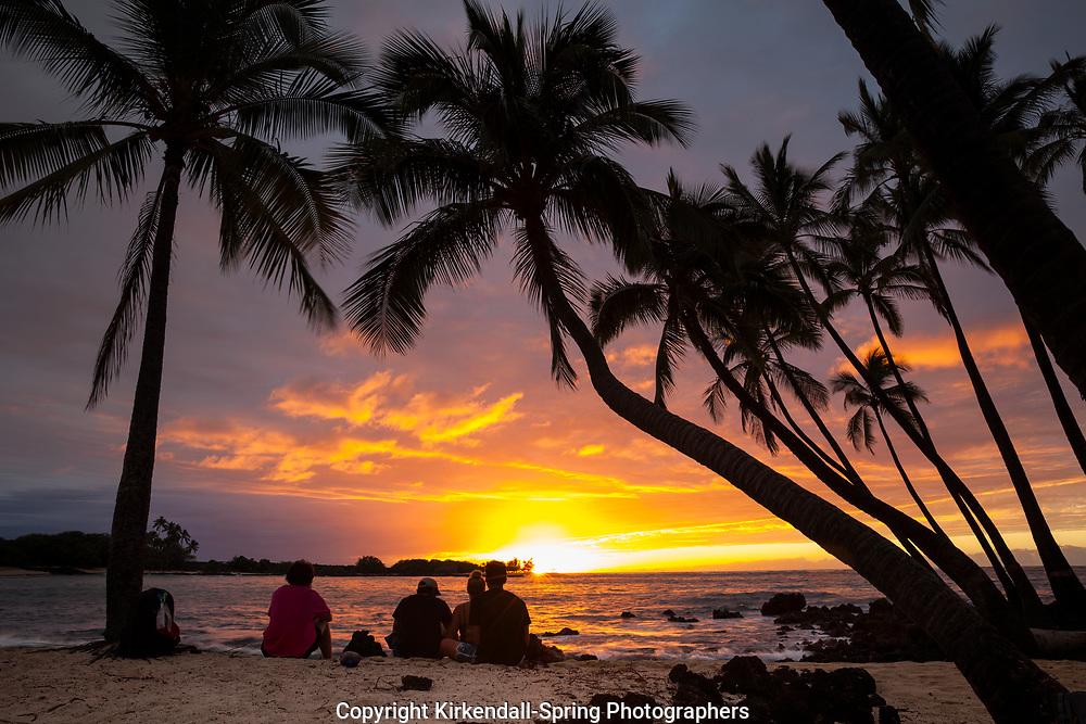 HI00460-00...HAWAI'I - Sunset over the Pacific Ocean from Kekaha Kai State Park along the Kona Coast on the island of Hawai'i.
