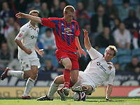 Photo: Lee Earle.<br /> Crystal Palace v Hull City. Coca Cola Championship. 06/10/2007. Hull's David Livermore (R) tackles Ben Watson.