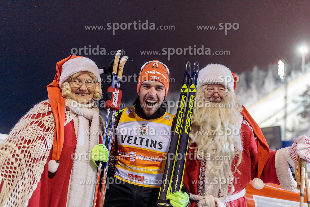 27.11.2016, Nordic Arena, Ruka, FIN, FIS Weltcup Nordische Kombination, Nordic Opening, Kuusamo, Langlauf, im Bild Sieger Johannes Rydzek (GER) mit den Weihnachtsmann und seiner Frau // Winner Johannes Rydzek of Germany with the Santa Claus and his Wife during Cross Country of the FIS Nordic Combined World Cup of the Nordic Opening at the Nordic Arena in Ruka, Finland on 2016/11/27. EXPA Pictures © 2016, PhotoCredit: EXPA/ JFK