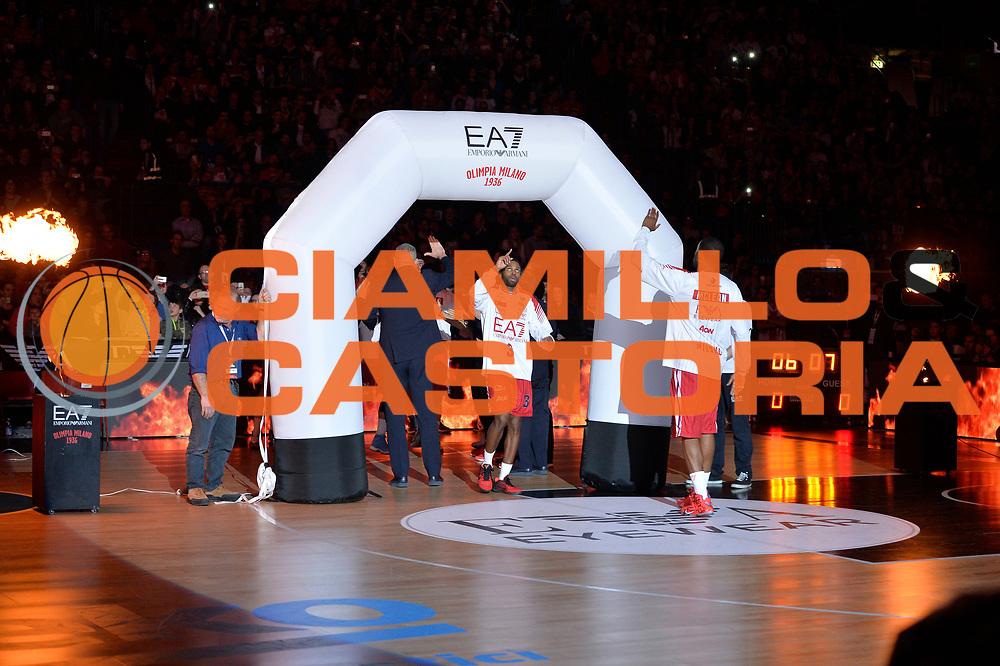 DESCRIZIONE : Milano Lega A 2015-2016 Olimpia EA7 Emporio Armani Milano Acqua Vitasnella Cantu'<br /> GIOCATORE : Oliver Lafayette<br /> CATEGORIA : Presentazione<br /> SQUADRA : Olimpia EA7 Emporio Armani Milano<br /> EVENTO : Campionato Lega A 2015-2016 GARA :Olimpia EA7 Emporio Armani Milano Acqua Vitasnella Cantu'<br /> DATA : 20/03/2016<br /> SPORT : Pallacanestro <br /> AUTORE : Agenzia Ciamillo-Castoria/I.Mancini<br /> GALLERIA : Lega Basket A 2015-2016 FOTONOTIZIA : Milano Lega A 2015-2016 Olimpia EA7 Emporio Armani Milano Acqua Vitasnella Cantu'<br /> PREDEFINITA :