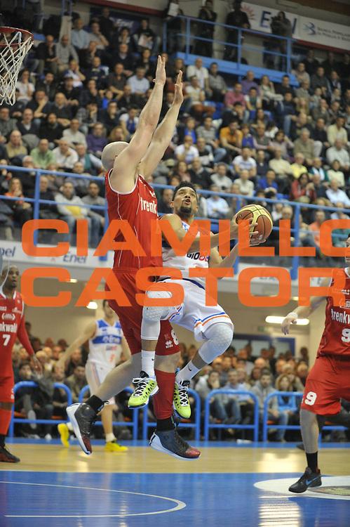 DESCRIZIONE : Brindisi Lega A 2012-13 Enel Brindisi Trenkwalder Reggio Emilia<br /> GIOCATORE : Scottie Reynolds<br /> CATEGORIA : Tiro<br /> SQUADRA : Enel Brindisi<br /> EVENTO : Campionato Lega A 2012-2013 <br /> GARA : Enel Brindisi Trenkwalder Reggio Emilia<br /> DATA : 01/04/2013<br /> SPORT : Pallacanestro <br /> AUTORE : Agenzia Ciamillo-Castoria/V.Tasco<br /> Galleria : Lega Basket A 2012-2013  <br /> Fotonotizia : Brindisi Lega A 2012-13 Enel Brindisi Trenkwalder Reggio Emilia