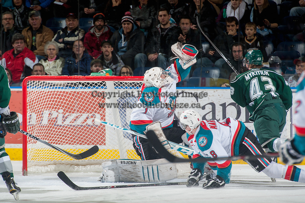 KELOWNA, CANADA - JANUARY 23: Jackson Whistle #1 of Kelowna Rockets makes a save against the Everett Silvertips on January 23, 2015 at Prospera Place in Kelowna, British Columbia, Canada.  (Photo by Marissa Baecker/Shoot the Breeze)  *** Local Caption *** Jackson Whistle;