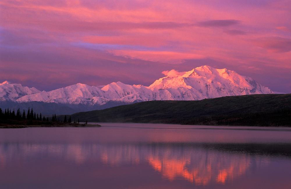 Mount McKinley,Wonder Lake,Denali Natl.Park Preserve,Alaska,USA