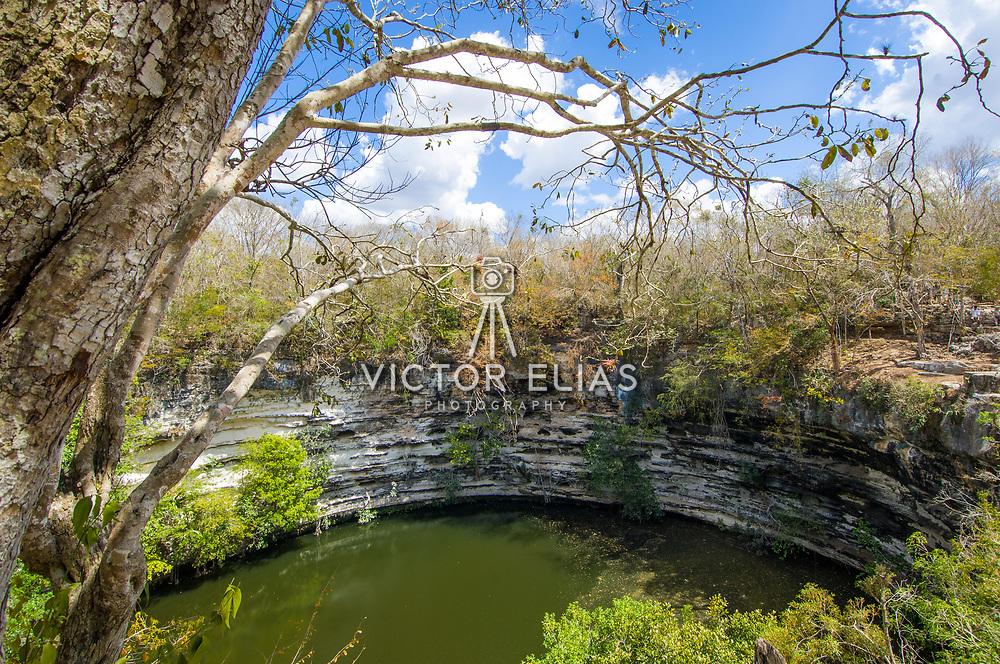Gran Cenote. Chichen Itza. Yucatan, Mexico.