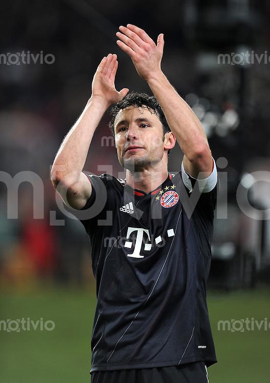 Fussball 1. Bundesliga:  Saison   2010/2011  17. Spieltag  19.12.2010 VfB Stuttgart - FC Bayern Muenchen    Mark van Bommel (FC Bayern Muenchen)
