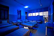 Milano, Viale Ortles. Dormitorio pubblico. Letti per il piano anti freddo.