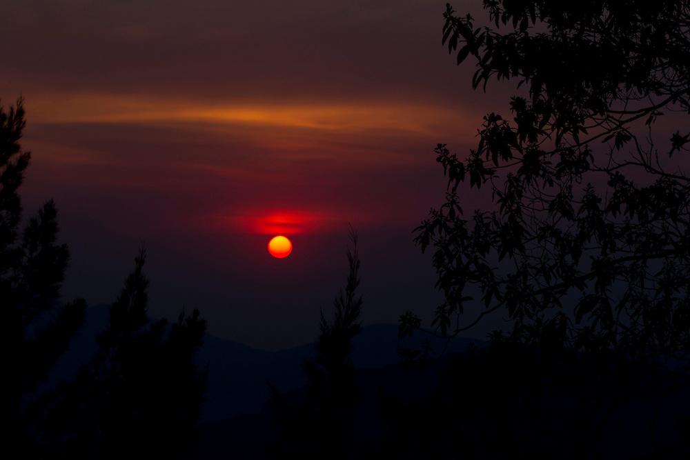 Brumadinho_MG, Brasil...Por do Sol em Brumadinho, Minas Gerais...Sunset in Brumadinho, Minas Gerais...Foto: MARCUS DESIMONI / NITRO