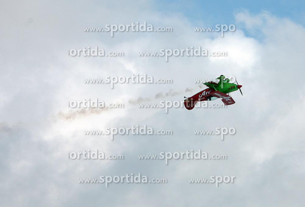 Acrobatic airplane at 10th men`s slalom AUDI FIS Alpine Ski World Cup race in Kranjska Gora, Slovenia, ob March 9, 2008.  (Photo by: Vid Ponikvar / Sportal Images)
