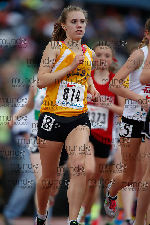 Alexa Livingstone of Glebe CI - Ottawa competes in the junior girls 3000m at the 2013 OFSAA Track and Field Championship in Oshawa Ontario, Saturday,  June 8, 2013.<br /> Mundo Sport Images/ Geoff Robins