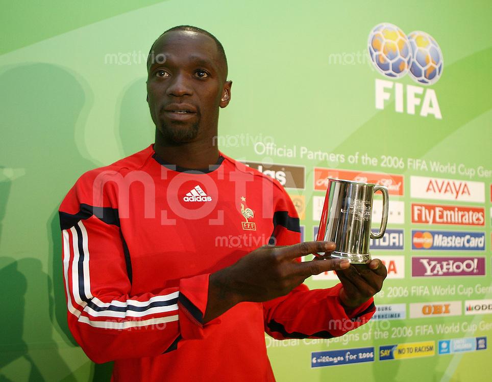 Fussball WM 2006  Gruppenspiel  Vorrunde  Gruppe G Frankreich - Schweiz Man of The Match; Claude Makelele (FRA) mit Auszeichnung