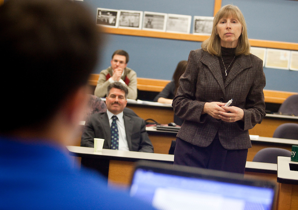 London, Ontario ---11-02-01--- Professor Mary Crossan teaches her Transcendent Leadership class at the Ivey School of Business at the University of Western Ontario in London, Ontario, February 1, 2011.<br /> GEOFF ROBINS Toronto Star