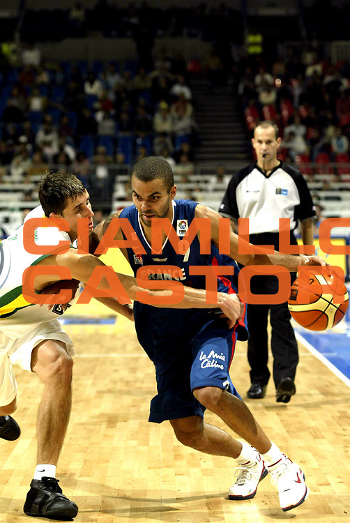 DESCRIZIONE : Belgrado Belgrade Eurobasket Men 2005 Francia-Lituania<br /> GIOCATORE : Parker<br /> SQUADRA : Francia France<br /> EVENTO : Eurobasket Men 2005 Campionati Europei Uomini 2005<br /> GARA : Francia Lituania France Lithuania<br /> DATA : 22/09/2005<br /> CATEGORIA :<br /> SPORT : Pallacanestro<br /> AUTORE : Ciamillo&amp;Castoria/Fiba Europe Pool