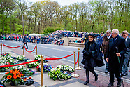 Prinses Margriet en Pieter van Vollenhoven zijn aanwezig op Militair Ereveld Grebbeberg tijdens Dod