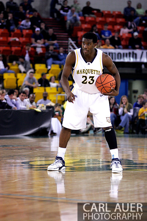 25 November 2005: MU Golden Eagle Wesley Matthews, a freshman guard runs the offense in the Marquette University 73-70 victory over Oral Roberts University at the Great Alaska Shootout in Anchorage, Alaska