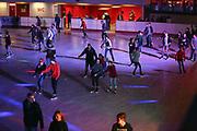 Mannheim. 03.11.17 | Eisdisco in der Eishalle.<br /> Neckarstadt. Leistungszentrum Eissport.<br /> Eisdisco in der Eislaufhalle.<br /> Zu Black, House 80er, 90er und aktuellen Charts über die Eisfläche tanzen, die neuesten Sprünge zeigen oder einfach Freunde treffen und mit ihnen Runden zu tollen Lichteffekten drehen.<br /> <br /> <br /> BILD- ID 22247 |<br /> Bild: Markus Prosswitz 03NOV17 / masterpress (Bild ist honorarpflichtig - No Model Release!)