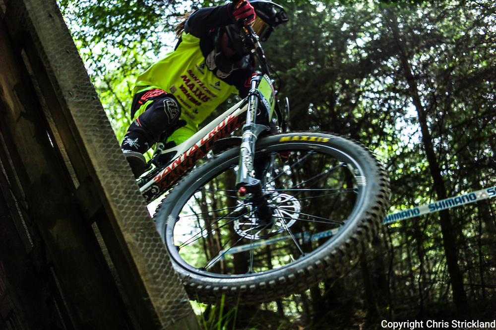 Nevis Range, Fort William, Scotland, UK. 3rd June 2016. Remy Mortan of Australia takes off the wall. The worlds leading mountain bikers descend on Fort William for the UCI World Cup on Nevis Range.