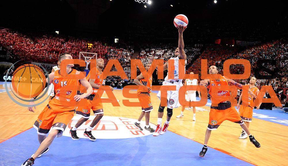 DESCRIZIONE : Ligue France Pro A  Le Mans Cholet  Finale<br /> GIOCATORE : Linehan John<br /> SQUADRA : Cholet<br /> EVENTO : FRANCE Ligue  Pro A 2009-2010<br /> GARA : Le Mans Cholet<br /> DATA : 13/06/2010<br /> CATEGORIA : Basketball Pro A Action<br /> SPORT : Basketball<br /> AUTORE : JF Molliere par Agenzia Ciamillo-Castoria <br /> Galleria : France Ligue Pro A 2009-2010 <br /> Fotonotizia : Ligue France Pro A  Le Mans Cholet Finale<br /> Predefinita :