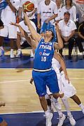 DESCRIZIONE : Madrid Spagna Spain Eurobasket Men 2007 Qualifying Round Germania Italia Germany Italy GIOCATORE : Andrea Bargnani<br /> SQUADRA : Nazioanle Italia Uomini Italy <br /> EVENTO : Eurobasket Men 2007 Campionati Europei Uomini 2007 <br /> GARA : Germania Italia Germany Italy <br /> DATA : 12/09/2007 <br /> CATEGORIA : Rimbalzo <br /> SPORT : Pallacanestro <br /> AUTORE : Ciamillo&amp;Castoria/H.Bellenger Galleria : Eurobasket Men 2007 <br /> Fotonotizia : Madrid Spagna Spain Eurobasket Men 2007 Qualifying Round Germania Italia Germany Italy Predefinita :MADRID 12 SETTEMBRE 2007BASKET EUROPEI GERMANI-ITALIANELLA FOTO BARGNANIFOTO CIAMILLO-CASTORIA