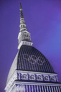 Torino 2006, I Cinque Cerchi proiettati sulla Mole Antonelliana durante i XX Giochi olimpici invernali