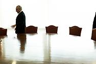 BRASÍLIA - BRASIL, 01 de junho de 2017: Em seu gabinete no Palácio do Planalto, o presidente Michel Temer concede entrevista exclusiva à repórter Debora Bergamasco - Revista IstoÉ.  Acompanharam a entrevista o diplomata Alexandre Parola, o chefe da Secom Marcio Freitas, o fotógrafo da presidência Marcos Corrêa,  e o chefe da segurança. Foto: Caio Guatelli