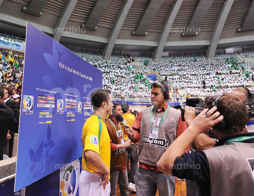 Fussball  International  FIFA  FUTSAL WM 2008   12.10.2008 Zweite Gruppenrunde Gruppe E Italy - Brasil Italien - Brasilien FALCAO (BRA) gibt nach dem Spiel Interviews