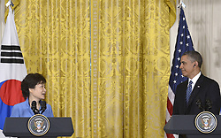 59613457 .U.S. President Barack Obama (R) shakes hands with visiting South Korean President Park Geun-hye during a joint press conference after their meetings in the East Room of the White House in Washington D.C., capital of the United States, May 7, 2013. Photo by:  imago / i-Images.UK ONLY