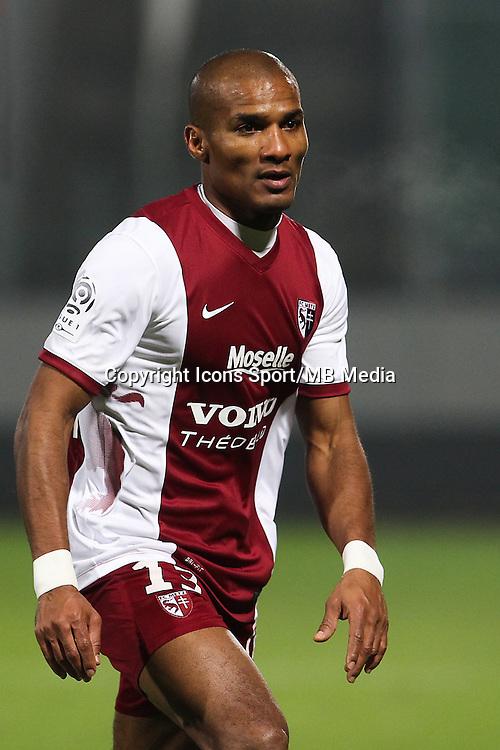 Florent MALOUDA - 03.12.2014 - Metz / Bordeaux - 16eme journee de Ligue 1 -<br />Photo : Fred Marvaux / Icon Sport