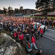 20151025 Trollh&auml;ttan<br /> Manifestation f&ouml;r att hedra offren fr&aring;n attacken p&aring; Kronan skolan i Trollh&auml;ttan d&aring; en maskerad knivman gick till attack inne p&aring; Kronans skola i stadsdelen Kronog&aring;rden. F&ouml;r&auml;ldrar anh&ouml;riga och sl&auml;kt till m&ouml;radade Lavin deltog i manifestationen<br /> <br /> Manifestation to honor the victims of the attack on the Kronan school in Trollh&auml;ttan where a masked man with knife attacked inside the kronan school in the district Kronog&aring;rden. Parents, relatives  of murdered Lavin attended the rally<br /> <br /> <br /> FOTO JOACHIM NYWALL KOD0520002<br /> COPYRIGHT KAMERAPRESS.SE