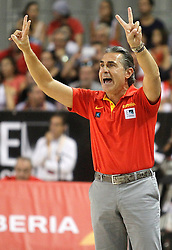 25.08.2015, Palacio de los Deportes de La Rioja, Logrono, ESP, Basketball Testspiel, Spanien vs Mazedonien, im Bild Spain's coach Sergio Scariolo // during a International Basketball Friendly Match between Spain and Macedonia at the Palacio de los Deportes de La Rioja in Logrono, Spain on 2015/08/25. EXPA Pictures © 2015, PhotoCredit: EXPA/ Alterphotos/ Acero<br /> <br /> *****ATTENTION - OUT of ESP, SUI*****