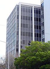 Wellington-Police cordon off multi storey building in Moleworth Street