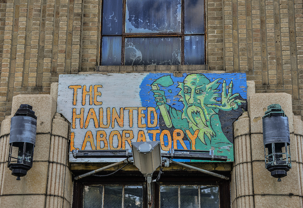 Sign at the entrance to the Haunted Laboratory during the Halloween season.