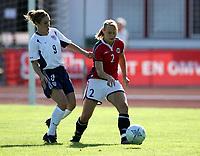 Fotball, 26. juli 2005, U21 damer, Åpent nordisk mesterskap, finale, Norge- USA 1-4,   Ann Iren Mørkved, Norge og Heather O`Reilly, USA