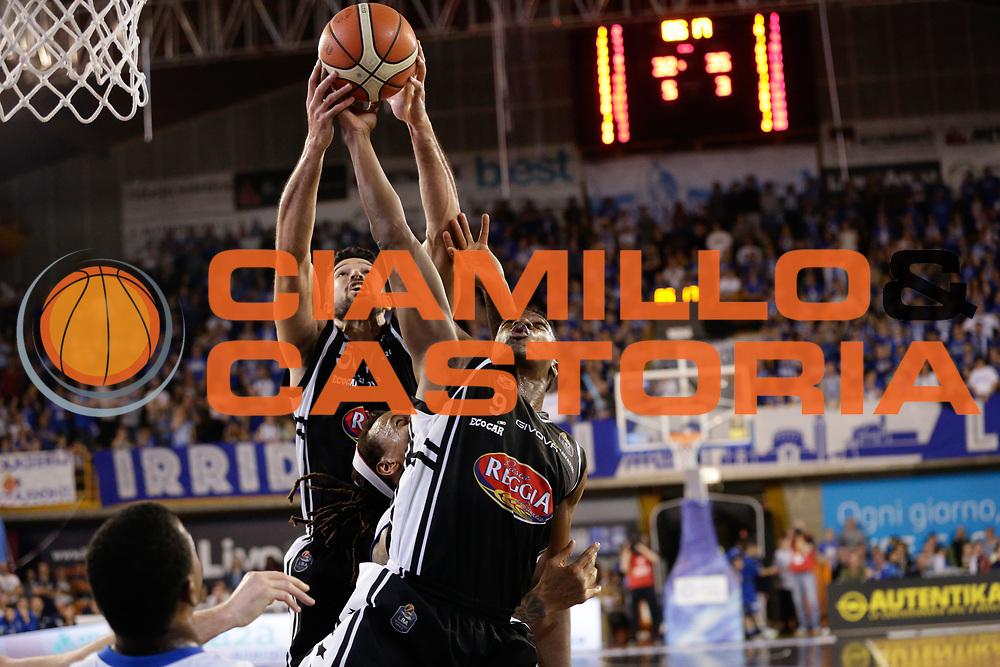 Watt Mitchell, Diawara Yakhouba<br /> Germani Basket Brescia Leonessa - Pasta Reggia Juve Caserta<br /> Lega Basket Serie A 2016/2017<br /> Montichiari, 02/04/2017<br /> Foto Ciamillo-Castoria / M. Brondi